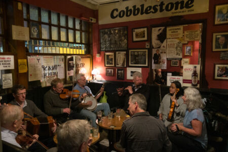 Folk-Session im Pub Cobblestone